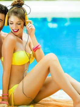 Yellow V-Bandeau Bikini van Phax Chilla