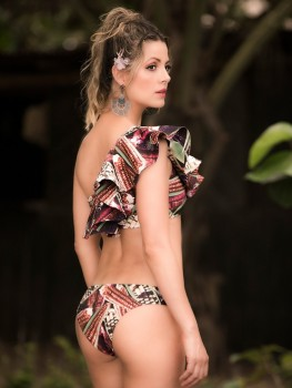 Coxcatlam One Shoulder Bikini Met Ruches van Yuly Swimwear Chilla