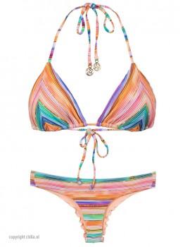 Bikini Triangle Heat Waves van Luli Fama Chilla