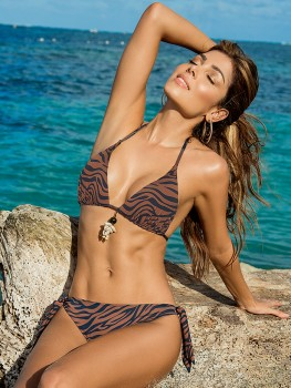 Bikini Triangle Safari Shell van Phax Chilla