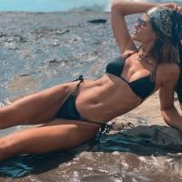 Coming Soon: Zwarte satijnglans bikini met prachtige handgemaakte kralendetails. Link in bio  #littleblackbikini #bikini #beaded #mysticalswimwear #bikinishopping #luxe #cheekybikini #bikinimode #handgemaakt #zomervakantie #strand #zwart #bikiniready