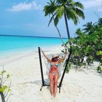 Om jaloers op te worden 😘 🌴☀️ @sanynka1204 bedankt voor het delen van deze heerlijk zomerse foto!  #bikini #shoppen #cositalinda #chillabikini #webshop #malediven #azuurblauw #turkoois #zandstrand #zon #zee #zomer