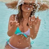 Ook zin in de new arrivals van Phax? De Bella India bikini doet ons smachten naar meer!  #zinindezomer  . . . #phax #phaxgirls #phaxswimwear #chillabikini #oceanready #welovebikinis #shoponline #nieuwecollectie #bicolor